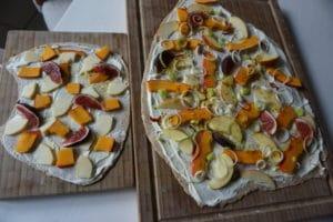 Gegrillter Apfel Kürbis Flammkuchen mit Feigen