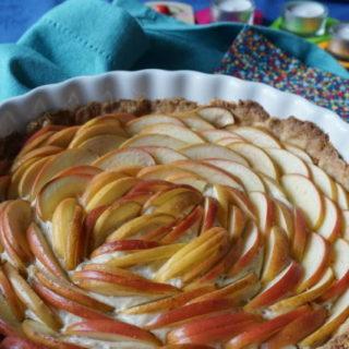 Deko Baby-Geburtstagsparty und ein Apfelkuchen ohne Zucker