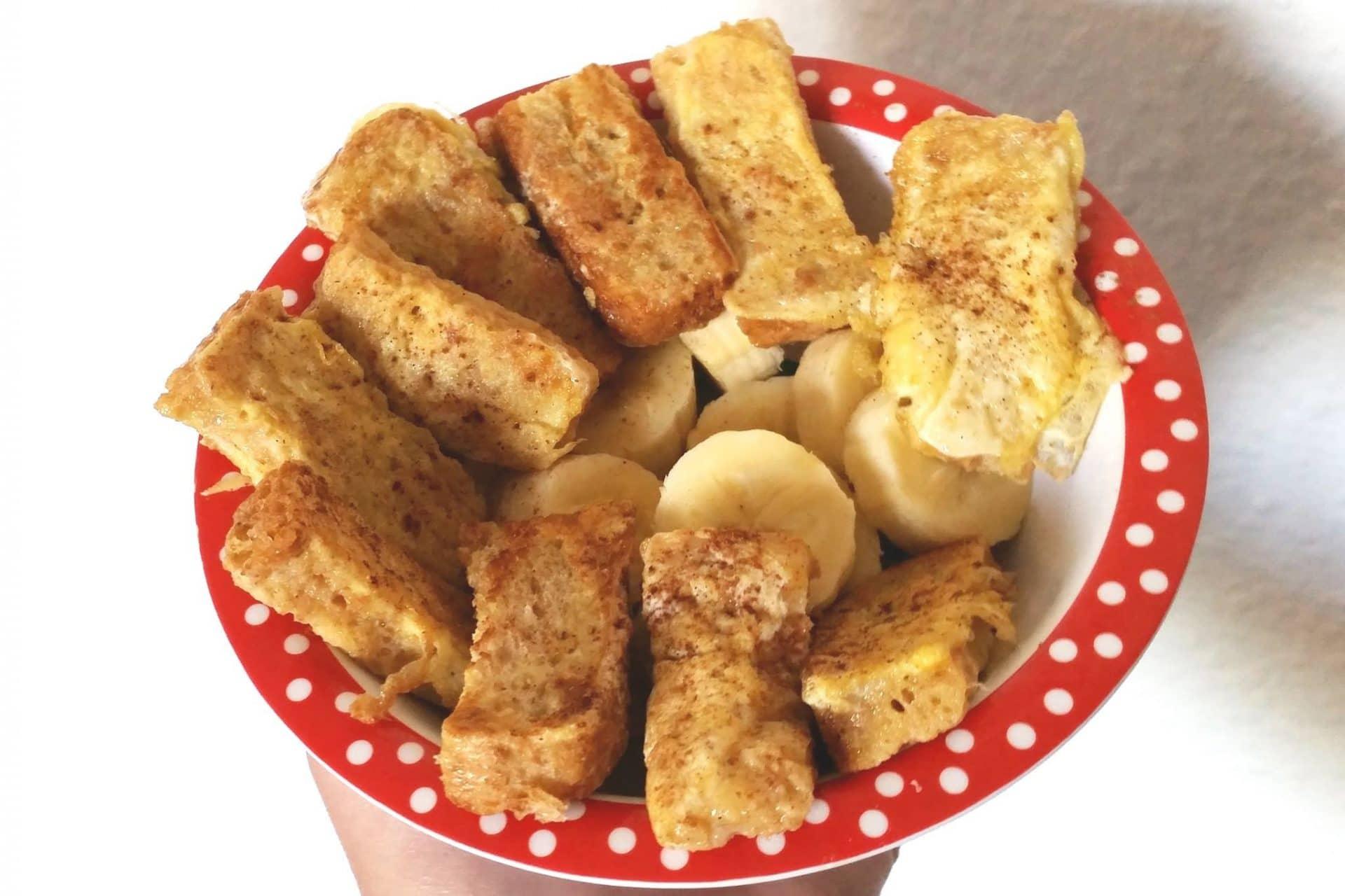 French Toast ohne Zucker als Frühstück für Babys mit Banane