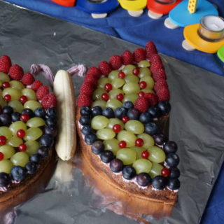 Geburtstagskuchen ohne Zucker - Schmetterlingskuchen von breifreibaby