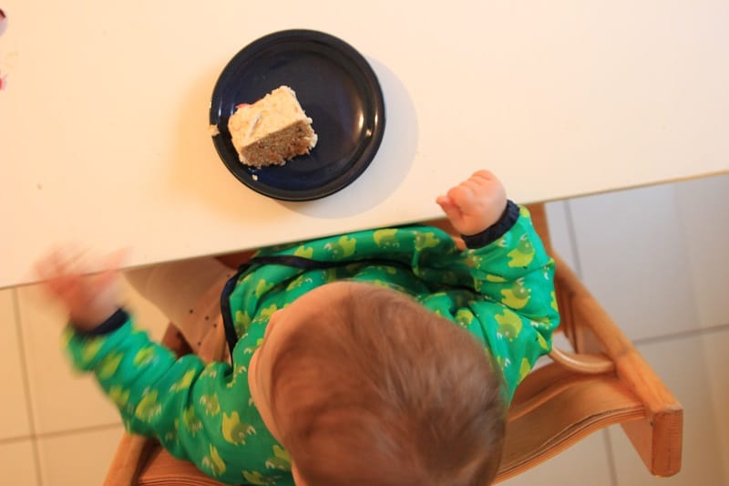 zuckerfreier Karottenkuchen zu K's erstem Geburtstag