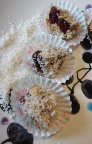 Stllpralinen mit Cranberry und Kokos von breifreibaby