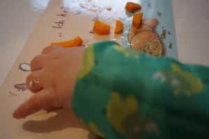 Erfahrungsbericht baby led weaning - der Pinzettengriff beim Baby