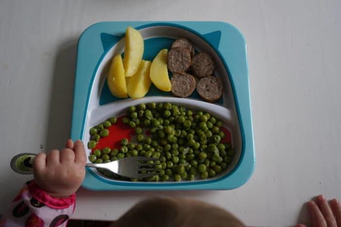 baby-led weaning - so sieht ein Teller von der kleinen K mit etwa 13 Monaten aus