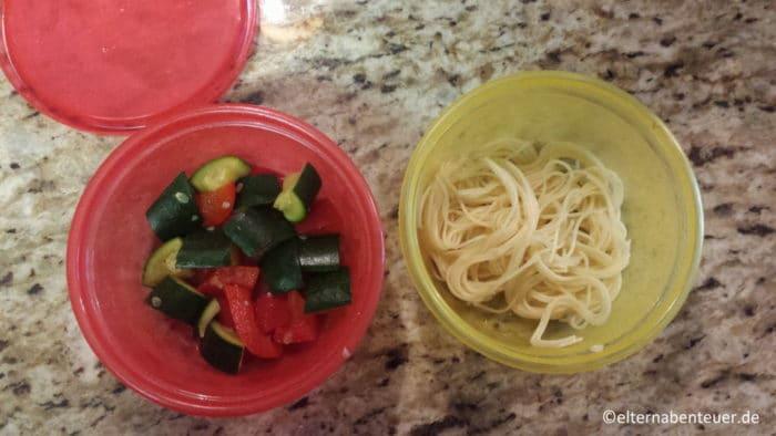 breifrei Essen - Nudeln und Gemüse für baby-led weaning