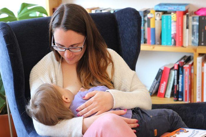 Stillen, Langzeitstillen und Abstillen von Baby und Kleinkind