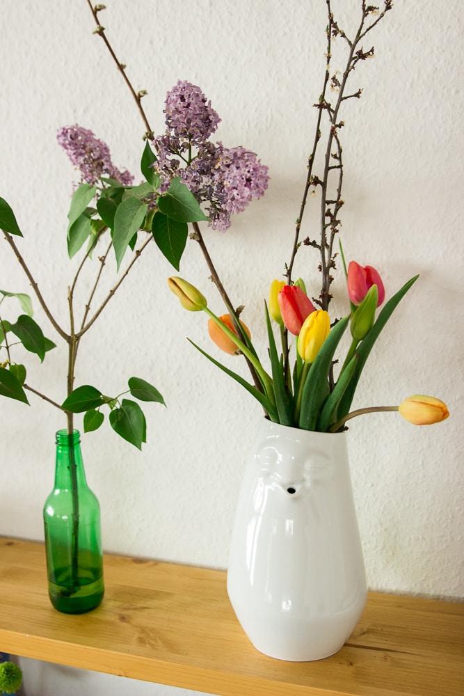 Unsere Geschenkidee zum Muttertag eine entspannte Vase mit Blumen von 58products