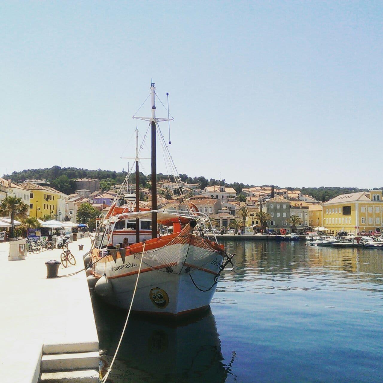 Urlaub mit Kleinkind oder Baby in Kroatien - wir erzählen wo es schön ist und geben Tipps. Z. B. Mali Losinj