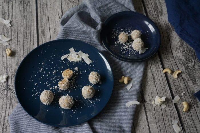 Dattel-Cashew-Pralinen für breifrei und BLW aus dem neuen Kochbuch