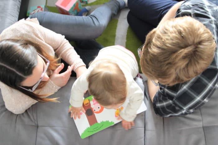 Lesezeit ist Familienzeit und ein Familienmoment wie ich ihn liebe - Lesen, Mama, Papa, Kind