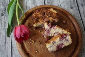 Glutenfreier Pastinakenkuchen mit Himbeeren (Für Babys und baby-led weaning geeignet)