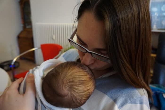 Stillen fördert eine intensive Beziehung zum Baby