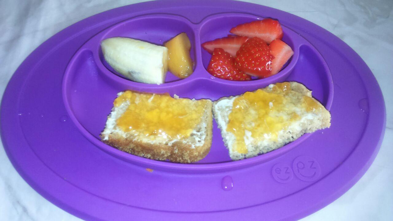 Ein baby-led weaning Erfahrungsbericht - breifrei Frühstück fürs Baby