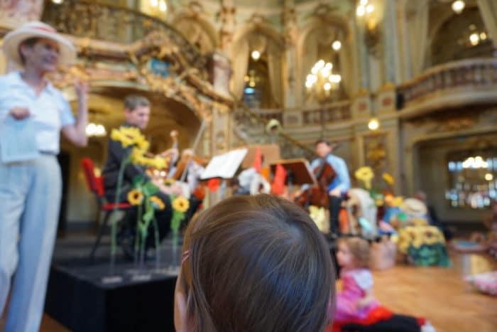 Baby beim Babykonzert Wiesbaden