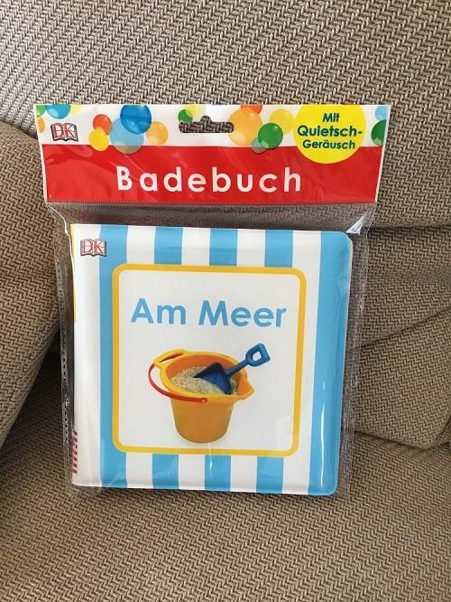 Badebuch für Babys - ein Buch, das man mit ins Wasser nehmen kann. Toll für den Sommerurlaub - wasserfest