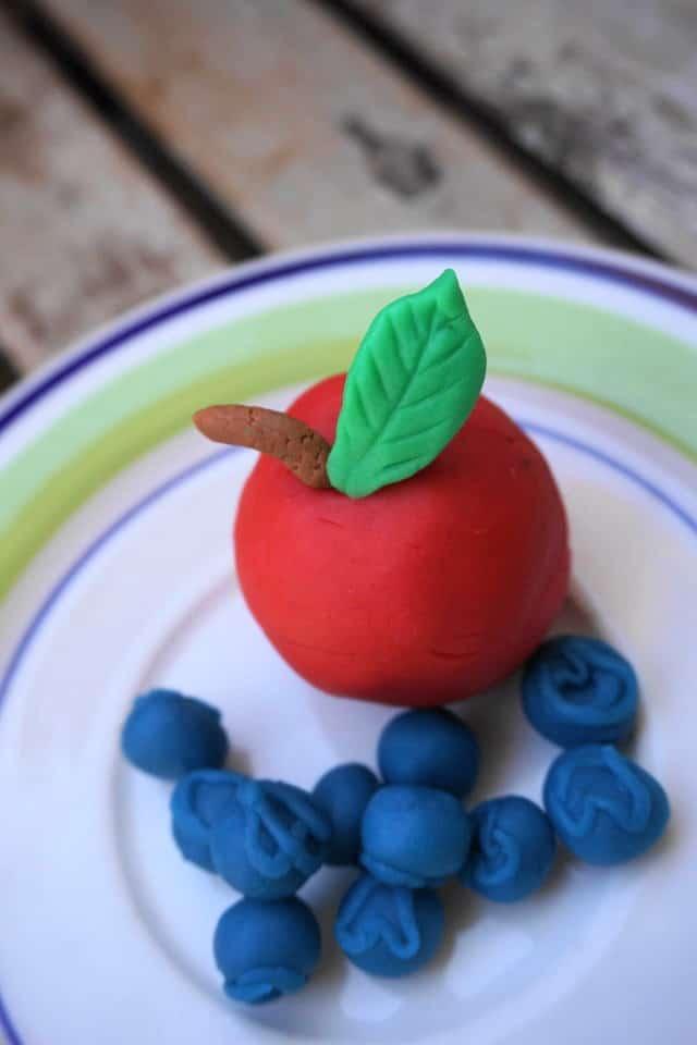 Obst aus Play-Doh Knete