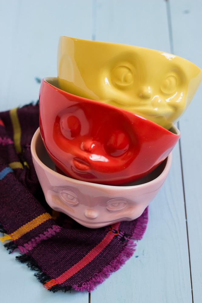 Müslischale von 58products - Müslischale mit Gesicht in rot, osa und gelb zu gewinnen