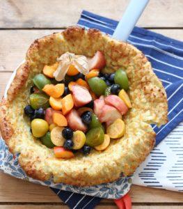 Ofenpfannkuchen Dutch Baby mit Physalis und Obst ohne Zucker für Babys und Kleinkinder