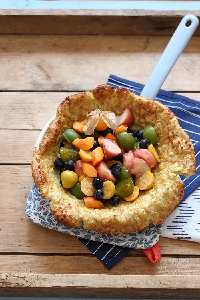 Ofenpfannkuchen mit Obst - Dutch Baby mit Physalis - breifrei, BLW, baby-led weaning Rezepte fürs Frühstück