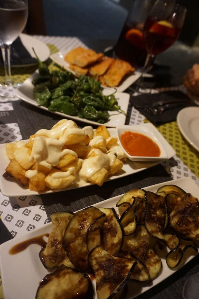 spanische Tapas im Vinitus in Barcelona - unsere Barcelona Geheimtipps Essen