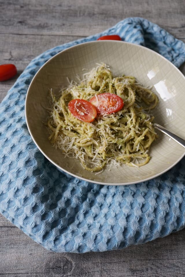 Brokkoli Pesto für Babys - BLW Rezept mit Gemüse