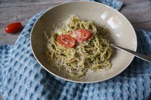 Pesto für Babys - unser BLW Rezept zu Nudeln