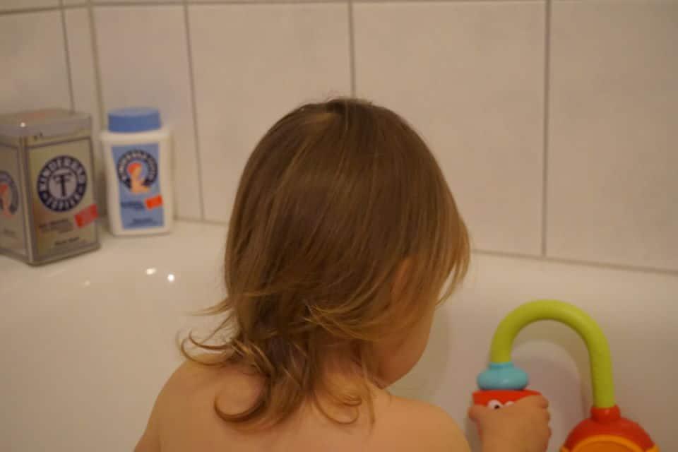 Badespaß und Pflege fürs Babys gegen wunden Po