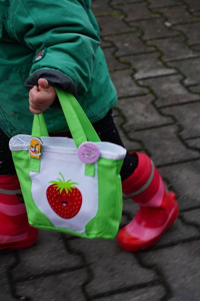 Tasche mit Erdbeere