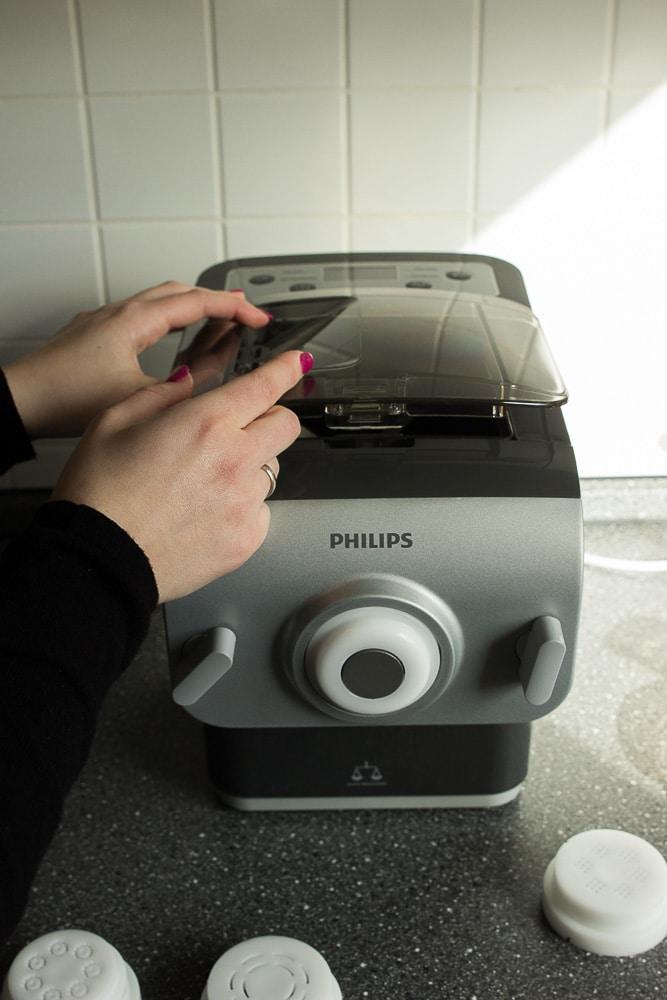 Philipspastamaker in grau zum Nudeln selber machen auch mit Kindern