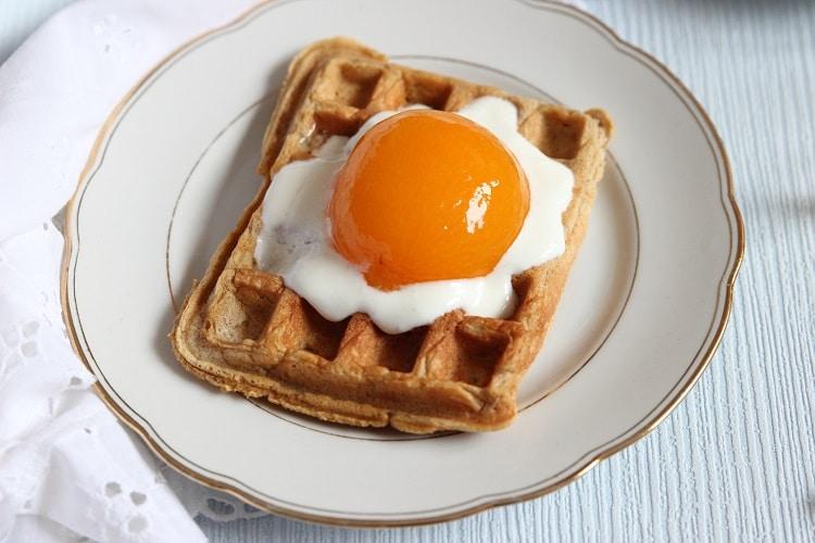 Rezept Waffeln Ostern mit Joghurt und Aprikosen
