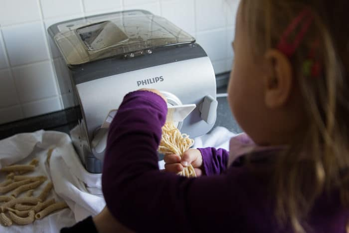 Pasta selber machen mit einer Nudelmaschine