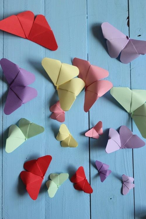 DIY Mobile für Babys mit Origami Schmetterlingen