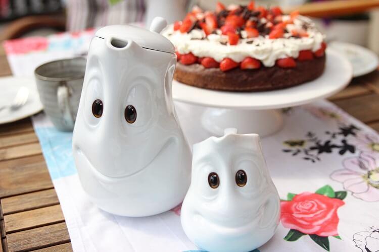 Muttertagsgeschenk für Mamas - das perfekte Kaffeekränzchen mit Torte