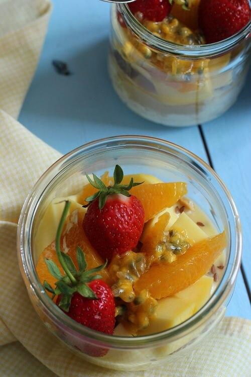 Frühstück in der Schwangerschaft: Overnight Oats mit Früchten
