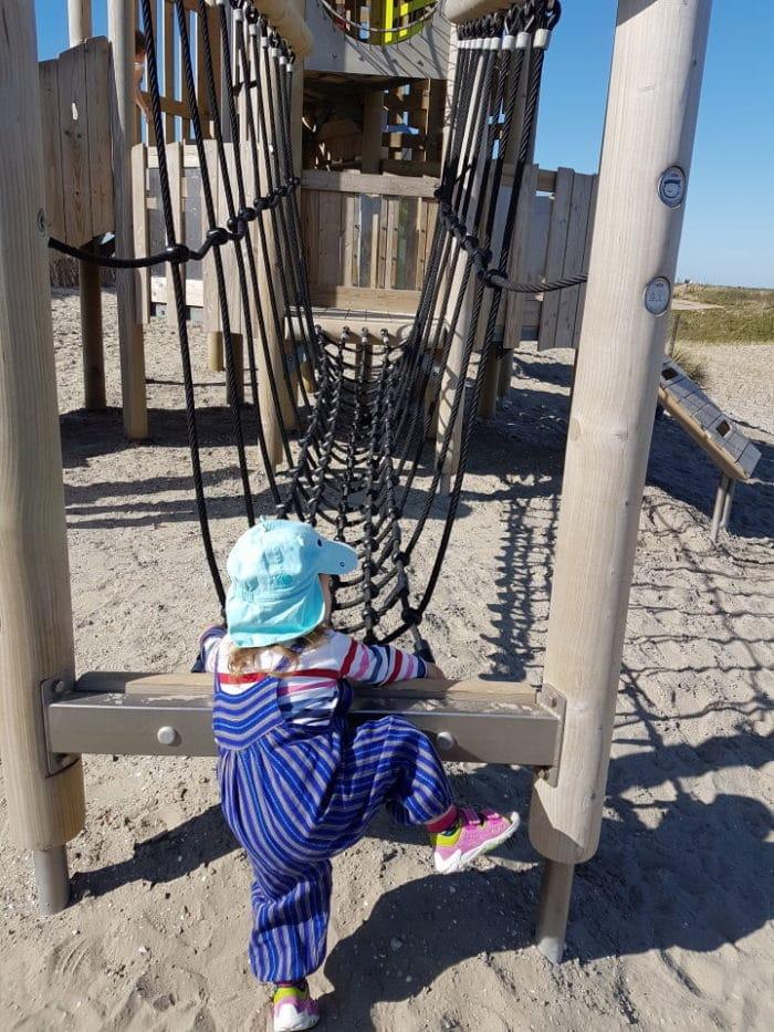 Klettergerüst für Kinder im Landal Greenpark Ouddorp in Südholland - Seeland