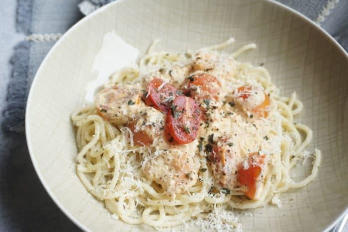 Rezepte für die ganze Familie - Pasta mit Garnelen und frischen Tomaten - schnelles Mittagessen