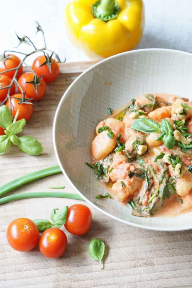 Gnocchi mit Tomatensoße und Spinat - vegetarische HelloFresh Box