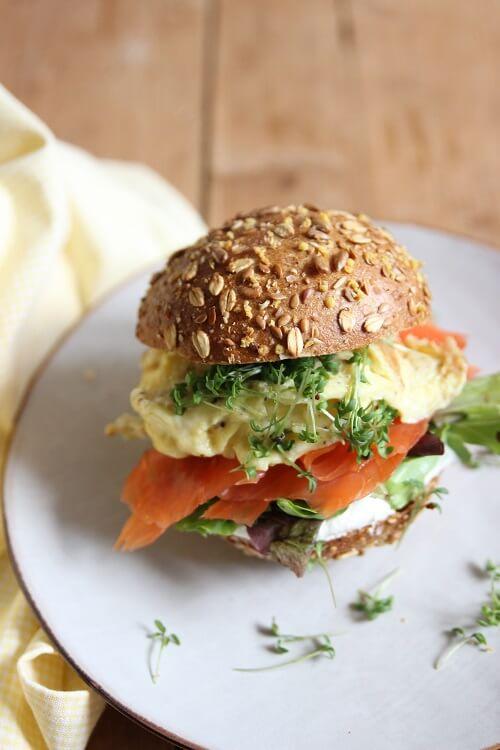 Lachs Rezepte mit Wildlachs: Lachs Brot mit Ei und Kresse