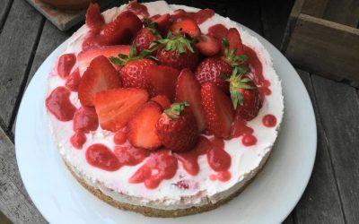 Ein köstlicher No bake Kuchen mit Erdbeeren