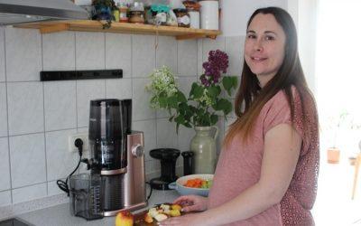 [Anzeige] Gesunde Ernährung in der Schwangerschaft mit dem Hurom Slow Juicer H-Ai