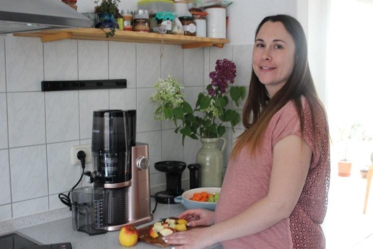 Saft selber pressen für eine gesunde Ernährung in der Schwangerschaft