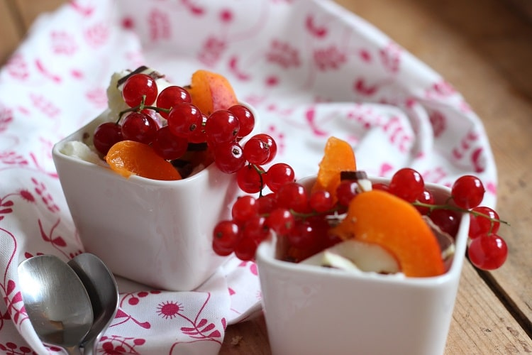 Frozen Joghurt ohne Zucker selbst machen mit Aprikosen
