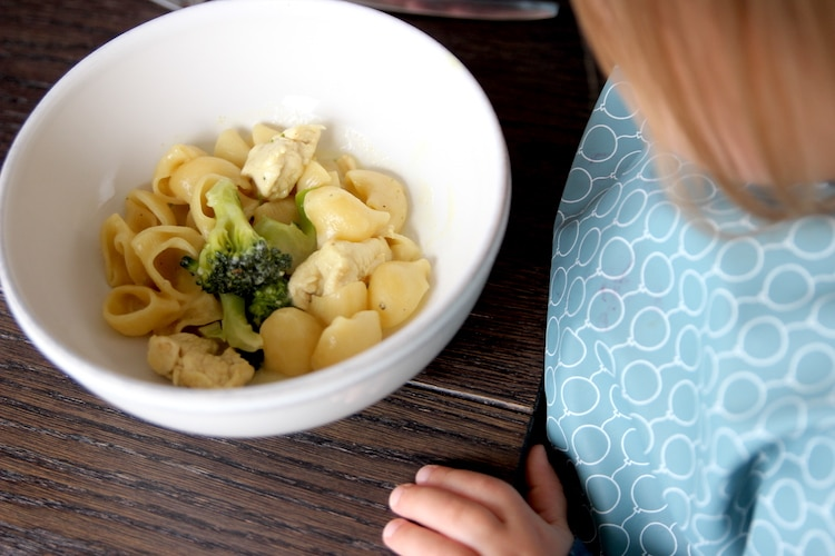 BLW rezept: One Pot Pasta mit Hühnchen