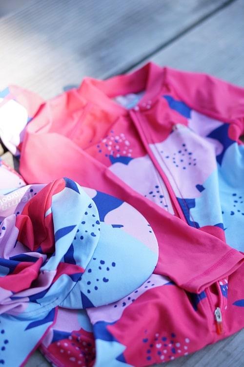 Badeanzug für Babys und Kleinkinder als Sonnenschutz