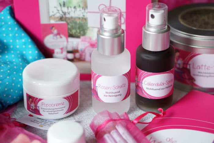 Popocreme, Brustwarzenpflege, Rosenspray zur Pflege für den wunden Baby Po und Calenula Spray - eine kleine homöopatische Haus Apotheke für das Wochenbett - deine Wochenbett Hebamme und die Wochenbettbox - Geschenke für Mamas