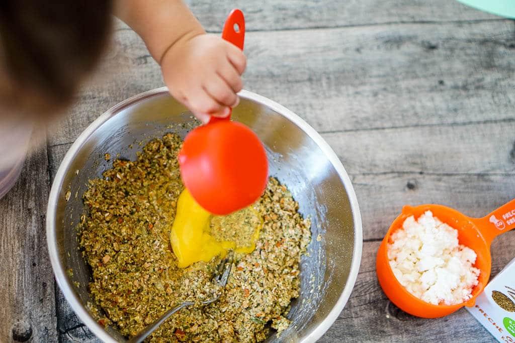 Kochrezepte fürs Wochenbett - Buddha Bowl mit Bratlingen und Gemüse