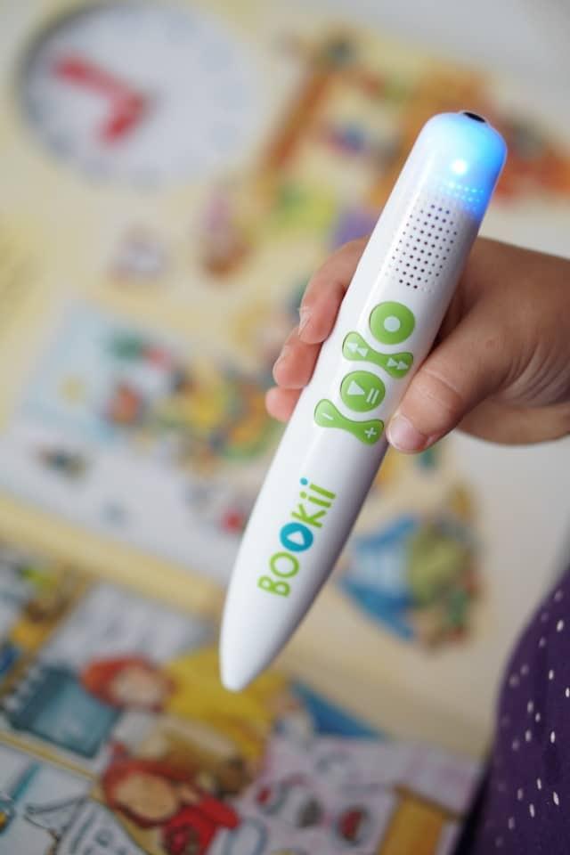 BOOKii Hörstift zum interaaktiven Bücher lesen für Kinder