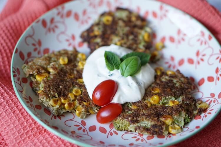 Gesund Kochen, z.B. Brokkoli-Puffer für Kinder