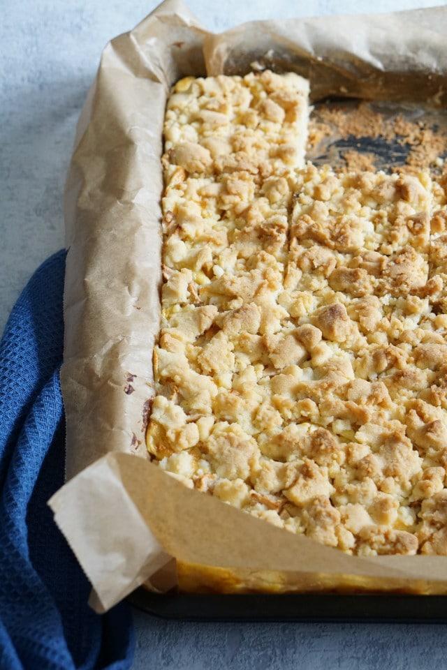 Apfelkuchen mit Streusel vom Blech - mein Rezept für den köstlichsten Apfelkuchen aller Zeiten