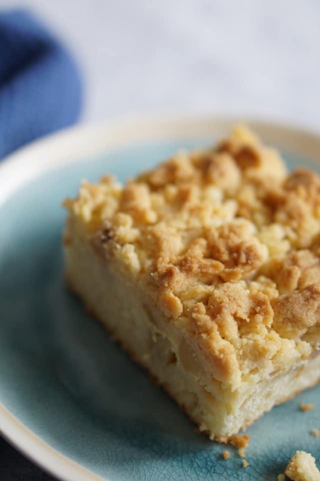 Apfelkuchen mit Streusel und Pudding einfach selber machen - ein gelingsicheres und einfaches Rezept